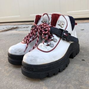 UNIQUE VINTAGE TOMMY HILFIGER CHUNKY BOOTS